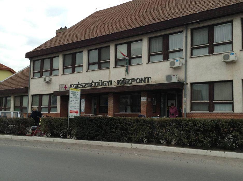 Tiszakécske Egészségügyi Központ Jégh Optika
